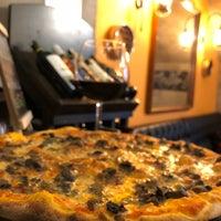 10/8/2018 tarihinde Mehmet A.ziyaretçi tarafından Zucca Pizza'de çekilen fotoğraf
