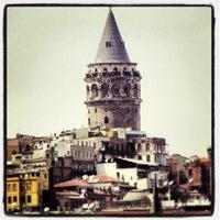 Das Foto wurde bei Galataturm von İsa K. am 7/1/2013 aufgenommen