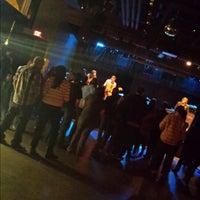Foto tomada en Amsterdam Bar & Hall por Tami C. el 10/13/2013