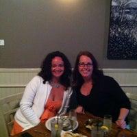 4/2/2013에 Christy M.님이 J & J Seafood Bar에서 찍은 사진