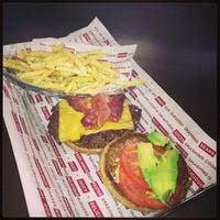 Снимок сделан в Smashburger пользователем Destiny D. 1/10/2013