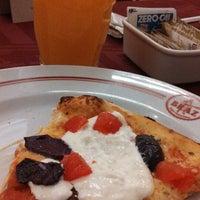 Foto tirada no(a) Bráz Pizzaria por Michelle A. em 5/3/2013