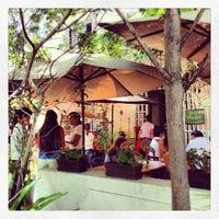 รูปภาพถ่ายที่ La Cafetería โดย Francisco J. C. เมื่อ 6/1/2013