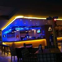 รูปภาพถ่ายที่ Diesel Pub โดย Ayhan A. เมื่อ 8/10/2013