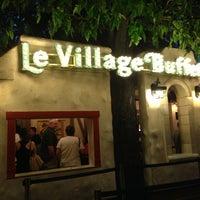 Foto scattata a Le Village Buffet da Shea R. il 4/23/2013