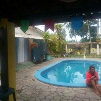 รูปภาพถ่ายที่ La Rocca Brasil - Beach Hostel Porto de Galinhas โดย Tatiane C. เมื่อ 7/2/2016