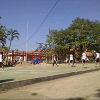 Photo prise au SMA Negeri 25 Bandung par Ericho P. le8/26/2013