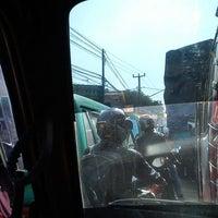 Foto tirada no(a) Jalan Raya Cileunyi por Ines K. em 4/20/2013