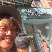 Photo prise au Van Leeuwen Artisan Ice Cream par Stroumph le6/20/2018
