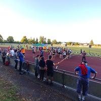 รูปภาพถ่ายที่ TSG Giengen 1861 e. V. Stadion โดย Stefan B. เมื่อ 7/13/2018