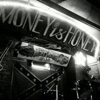 Снимок сделан в Money Honey пользователем Veronika P. 5/23/2013