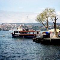 Das Foto wurde bei Yeniköy Sahili von 👑 ALBAYRAK 👑 am 4/21/2013 aufgenommen