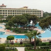 Foto tirada no(a) Venezia Palace Deluxe Resort Hotel por Murat S. em 5/9/2013