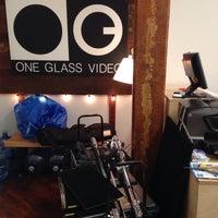 Foto tirada no(a) One Glass Video por Jessica L. em 3/2/2018