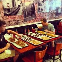 7/24/2013 tarihinde Sean S.ziyaretçi tarafından Jake's Sandwich Board'de çekilen fotoğraf