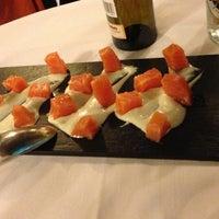 Foto scattata a A Taberna Restaurante da Natalia P. il 4/7/2013