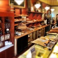 10/5/2012 tarihinde Tim A.ziyaretçi tarafından Bakery Nouveau'de çekilen fotoğraf