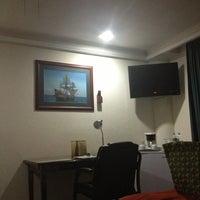 12/30/2012 tarihinde ilsiita v.ziyaretçi tarafından Aliana Hotel & Suites'de çekilen fotoğraf