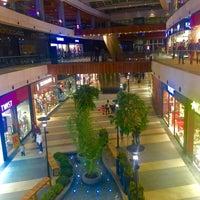 Das Foto wurde bei Point Bornova von 🇧🇬 İlhan 🇷🇺🇹🇷 am 12/17/2015 aufgenommen