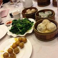 Photo prise au Jing Fong Restaurant 金豐大酒樓 par Kiyeon Y. le6/22/2013