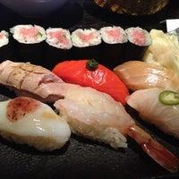 Photo prise au Sushi Yasaka par Kiyeon Y. le7/15/2013