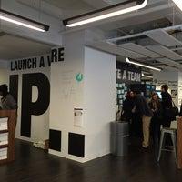 Foto tomada en NYU Leslie Entrepreneurs Lab por Mercedes R. el 3/27/2015