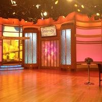 Photo prise au The Wendy Williams Show par Jaye P. le5/18/2013