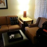 Foto scattata a Embassy Suites by Hilton da Jonathan S. il 3/25/2013