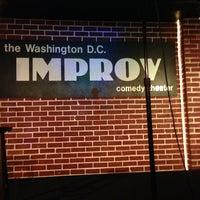 Photo prise au DC Improv Comedy Club par Ashley Kay le12/22/2012