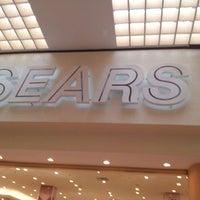 Foto tomada en Sears por Luis M. el 4/27/2013