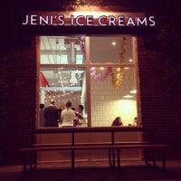 รูปภาพถ่ายที่ Jeni's Splendid Ice Creams โดย Mary W. เมื่อ 10/24/2013