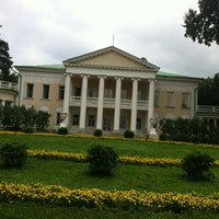 Das Foto wurde bei Музей-заповедник «Горки Ленинские» von Иван К. am 7/28/2013 aufgenommen