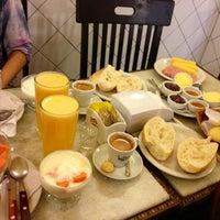 Foto diambil di Café Martinelli Midi oleh Renata E. pada 3/27/2013