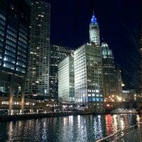 4/27/2013 tarihinde Jose R.ziyaretçi tarafından Chicago Riverwalk'de çekilen fotoğraf