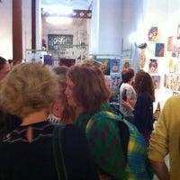 Das Foto wurde bei Paella Showroom Barcelona von paella s. am 10/2/2015 aufgenommen
