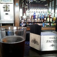 Снимок сделан в Saint Dane's Bar & Grille пользователем Hugo T. 4/18/2013