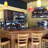 Foto scattata a Bella Luna Cafe da Beth R. il 5/11/2013