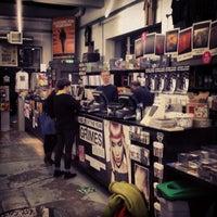 Das Foto wurde bei Rough Trade East von Rachel am 3/2/2013 aufgenommen