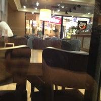 7/21/2013 tarihinde ....ziyaretçi tarafından Gloria Jean's Coffees'de çekilen fotoğraf