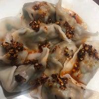 Foto scattata a Lan Zhou Handmade Noodle & Dumpling da Whitney G. il 11/9/2018