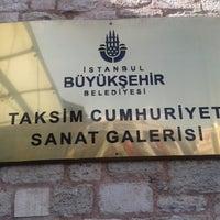 4/23/2013에 Ruzgar y.님이 Taksim Cumhuriyet Sanat Galerisi에서 찍은 사진