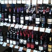 4/28/2013에 Teri P.님이 Barsha Wines & Spirits에서 찍은 사진