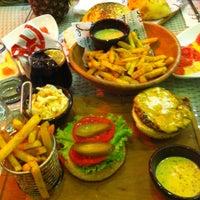 Снимок сделан в Ali Baba Restaurant & Nargile пользователем Aygül Ş. 9/30/2014