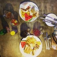 Foto diambil di TBC food & drinks oleh Mick M. pada 8/31/2016