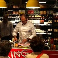 Das Foto wurde bei Carrefour Market von Ester M. am 9/27/2014 aufgenommen