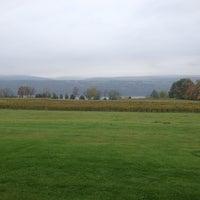 Foto tomada en Castel Grisch por Lindsay B. el 10/14/2013