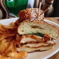 รูปภาพถ่ายที่ East Hampton Sandwich Co. โดย PoP O. เมื่อ 11/16/2013
