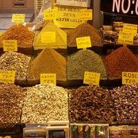 Das Foto wurde bei Mısır Çarşısı von David L. am 6/12/2013 aufgenommen