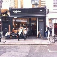 10/4/2013 tarihinde Ivo W.ziyaretçi tarafından Kaffeine'de çekilen fotoğraf