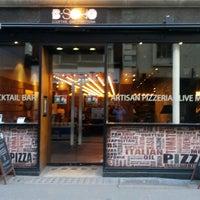 Foto diambil di B-Soho Cocktail Bar & Pizzeria oleh Matteo P. pada 12/8/2012